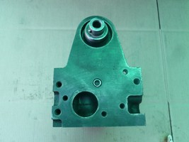 Cylinder Head: Ford 2.3 liter L4 Year: 1987-1994 Type: SOHC Fuel: Gas Family:  Casting: F27E Material: Cast Iron Valves: 8 NA Special info: 8 Plug / With Cam and Roller Rocker