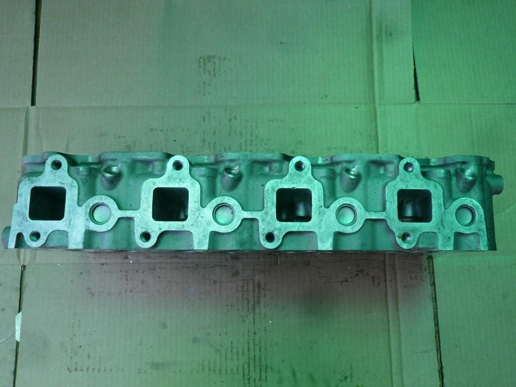GM cylinder head 6.6 liter 2001-2008 V8 OHV Diesel DURAMAX ...
