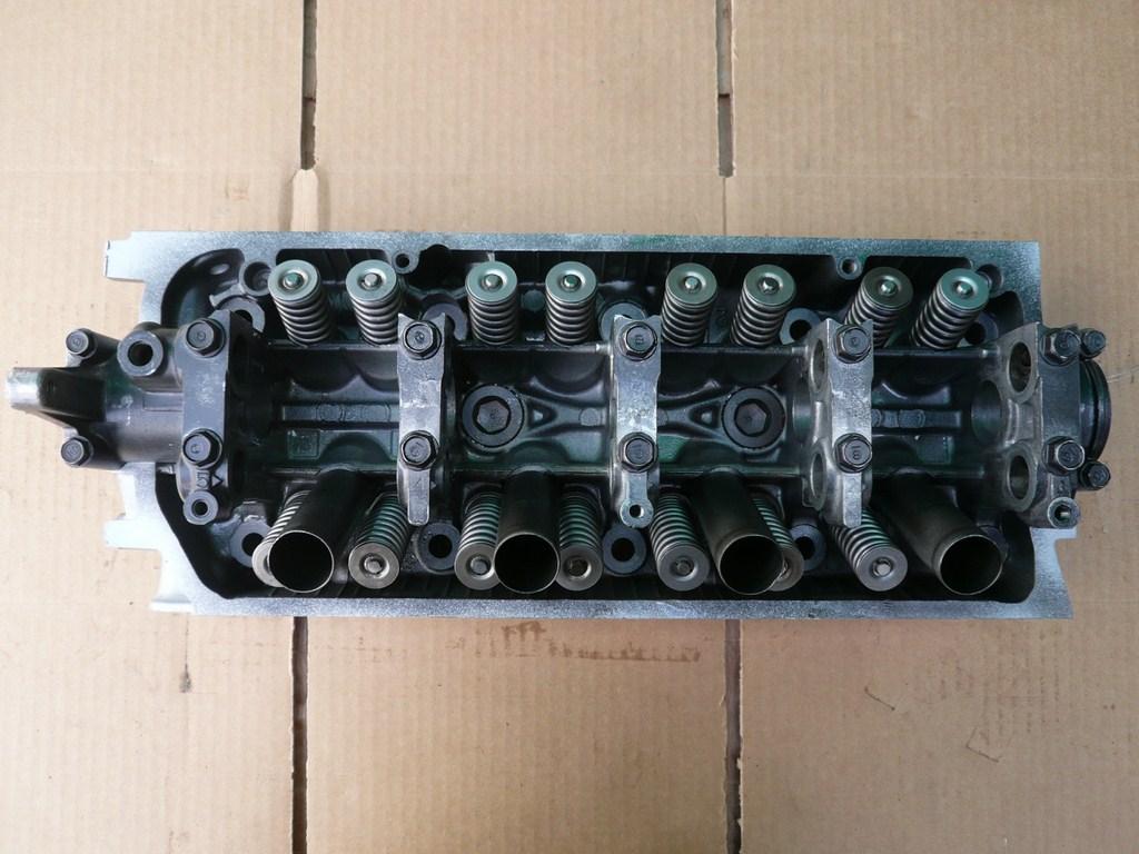 Honda cylinder head 1 6 liter 1996-2000 L4 SOHC Gas D16Y8