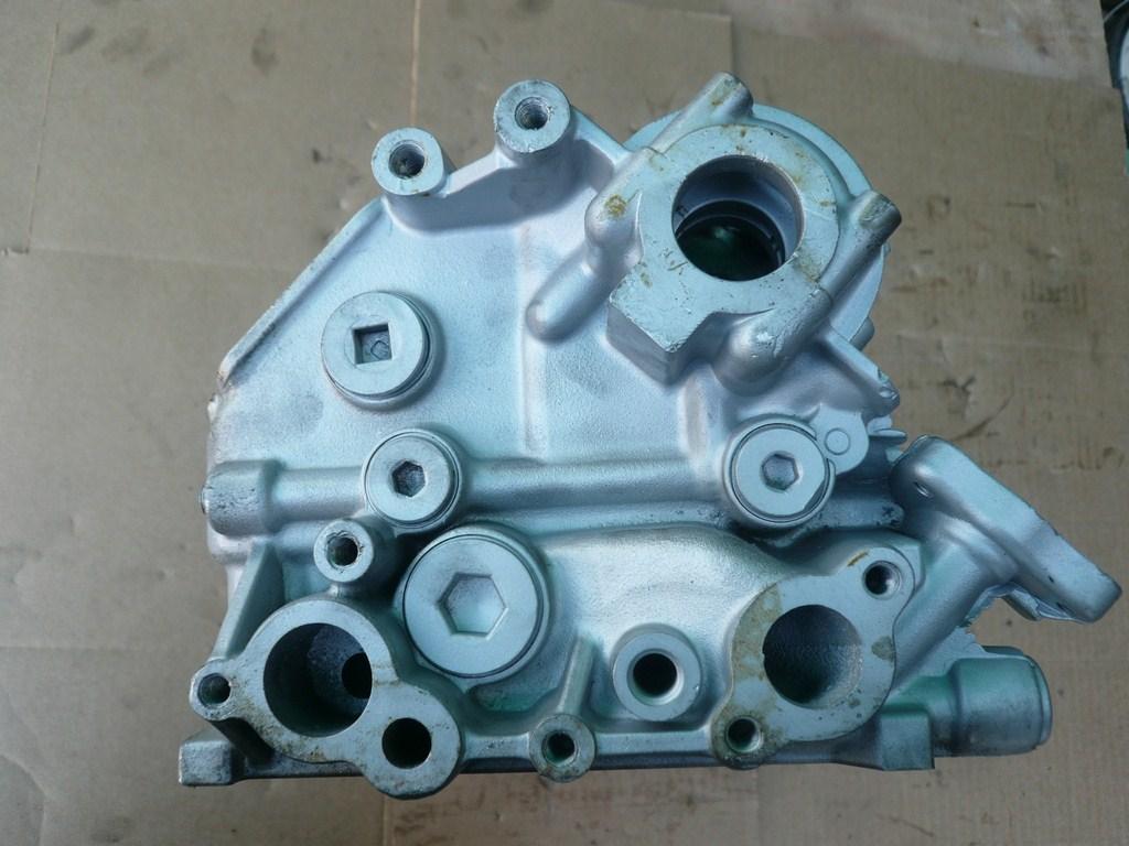 Honda cylinder head 2.7 liter 1995-1997 V6 SOHC Gas C27A4 ...